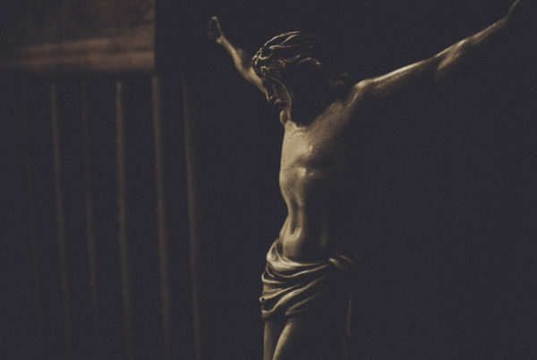 Good Friday worship remembers the crucifixion of Jesus Christ,, which this image aims to represent